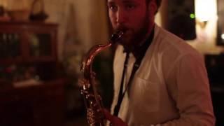 ВЕДУЩИЙ НА СВАДЬБУ  Саксофон, саксофонист, праздник, невеста, жених, молодожены, тамада1