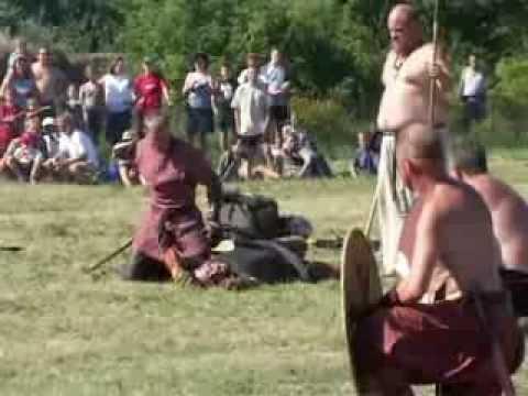 """Vikingemarked og Vikingespil """" Mordbrand """" I Bork Vikingehavn"""