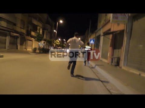 Report TV - Terror në Vlorë, 40-vjeçari vritet në banesë, hidhet në erë makina