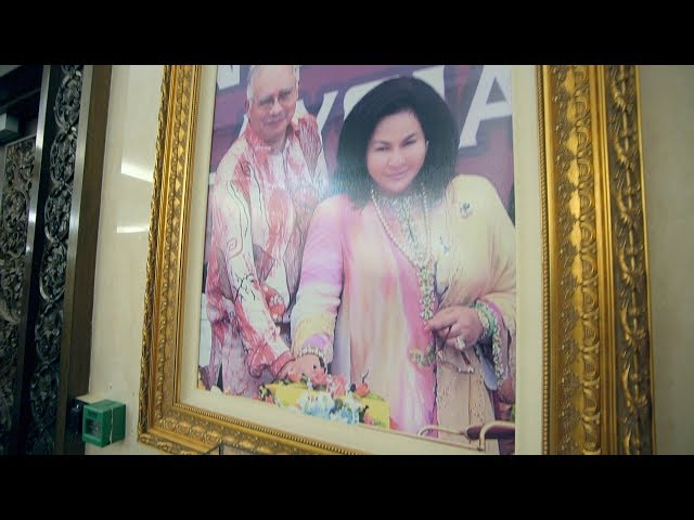 Inside the PRIME MINISTER of Malaysia's home!