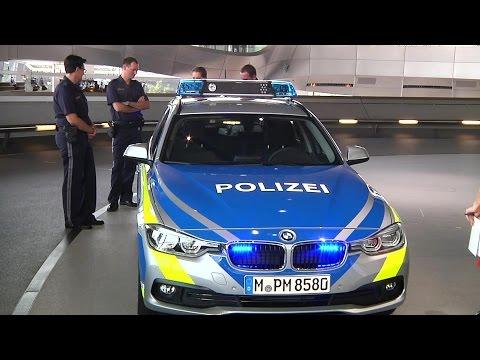 Streifenwagen der Polizei in Bayern werden blau