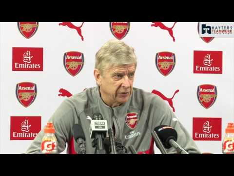 Wenger: Benzema links are only because he's French!