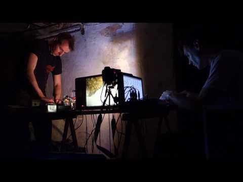 Secret Shots – audio-visual performance for 2 TVs