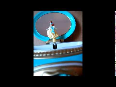 Anastasia Music box Disney Once Upon a December 1997