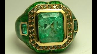 Impeccable Colombian Emerald Green Diamond Enamel & Gold Ring 8.20tcw