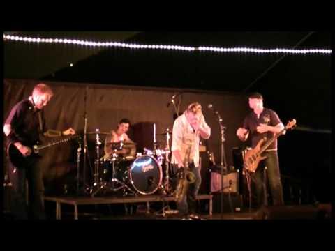 Sex In The Desert & Brad's Sound Company rock Fannie Bay
