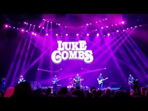 Luke Combs - When It Rains It Pours #C2C2018 #GLASGOW
