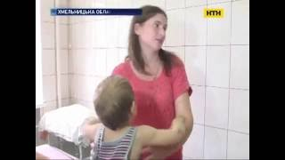 3-х летнего ребенка жестоко избивает мать! Ужас