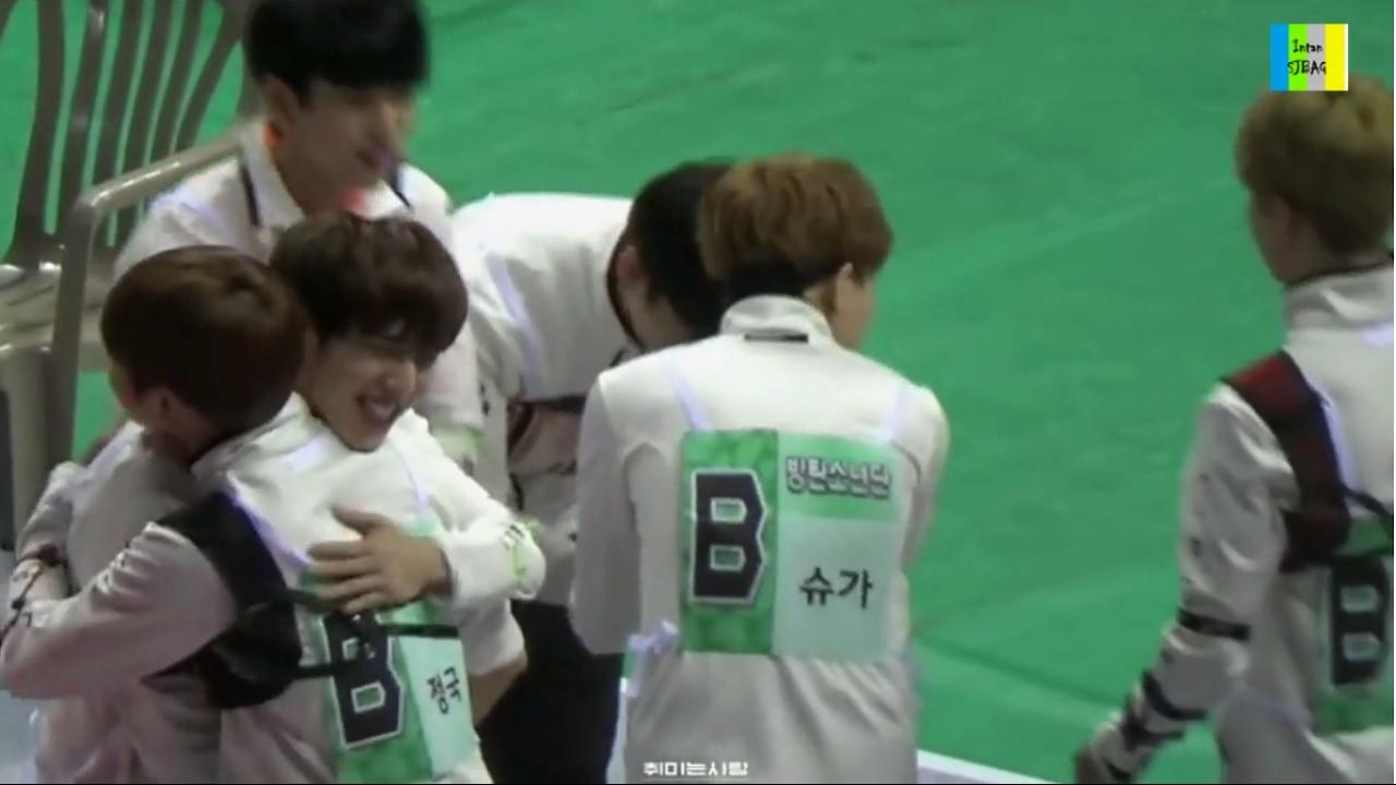 Jungkook Yugyeom 정국 유겸 Friendship Moment 2017 (1) Stars Appear
