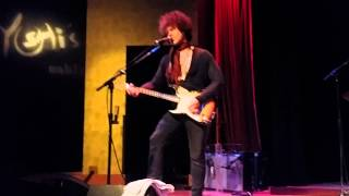 "Doyle Bramhall II - ""Early In The Mornin"