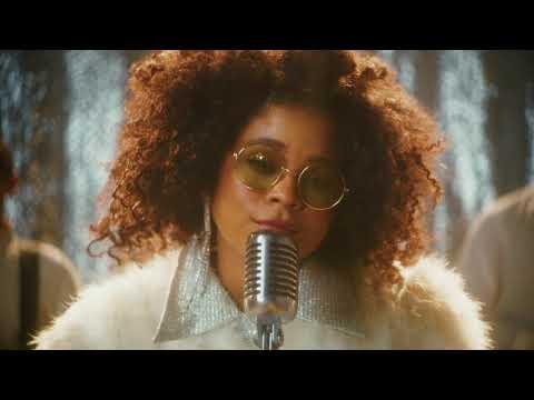 Смотреть клип Tayla Parx - Ain'T A Lonely Christmas Song