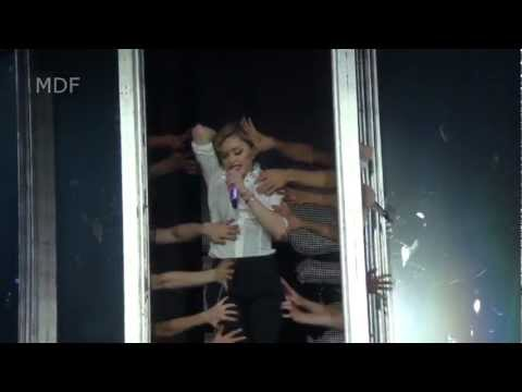 Download lagu baru Madonna - Live in Hyde Park London - jul 17th 2012 - Human Nature - MDNA Tour - ZingLagu.Com