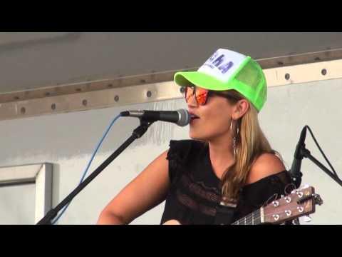 "Anuhea ""Big Deal"" Live at the Kapaa Coconut Festival"