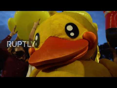 Thailand: Inflatable ducks flood Bangkok as anti-govt. protest hits capital
