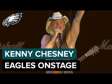 "Kenny Chesney Brings Carson Wentz & the Philadelphia Eagles Onstage During ""The Boys of Fall"""