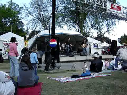 Live Music In Wenatchee Washington's Apple Blossom Festival, Part 1...