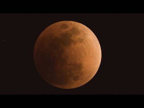 Lunar trifecta of 'SUPER BLUE BLOOD MOON' happens simultaneously