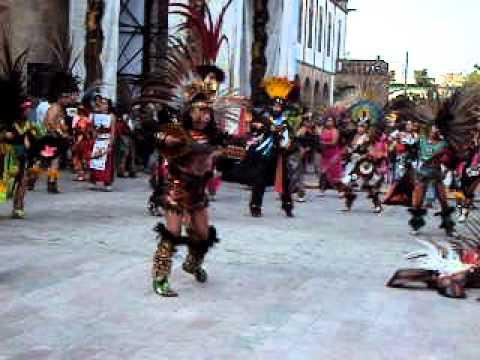 Danza azteca tepochcalli en celaya gto virgen de guadal for Villas quetzal celaya