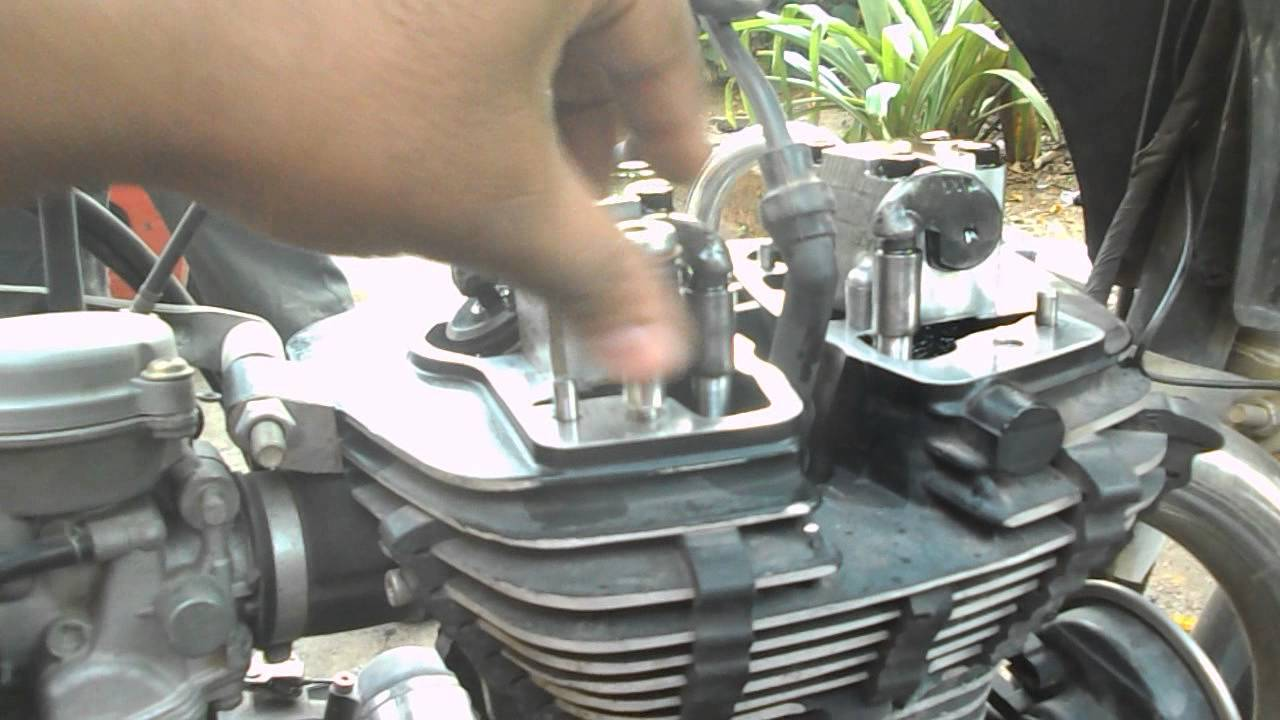 Royal Enfield Uce Engine Rocker Cover Sealing Youtube
