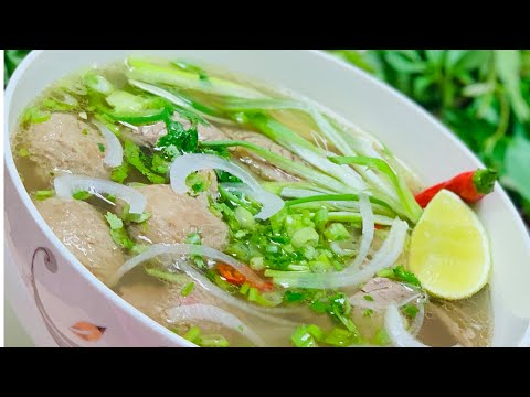 Pho Bo - How To Make Authentic Vietnamese Beef Noodle Soup
