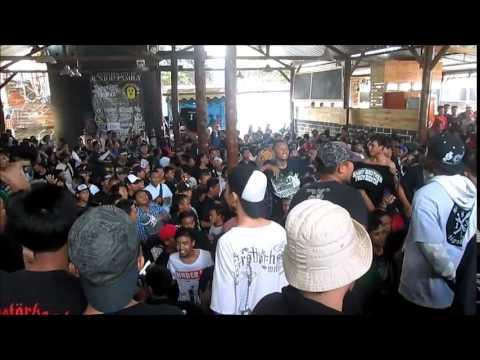 BROTHA SOULJA-Diz Bout Brotherhood Live At Tulungagung Moshpit 3