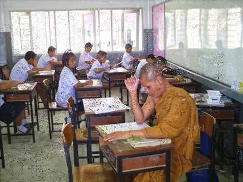 วัดพุทธภาวนาราม คุมสอบธรรมศึกษา.wmv