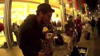 Sweet Home Chicago Solo | Street Live | Mr Owl & the Groovy Walkers