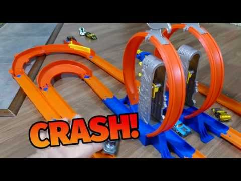Fun Toy play with Hot Wheels Total Turbo Takeover, Ramp Getaway Track and Crashes - KTAF
