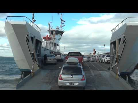 Cruce en Balsa a Ushuaia Tierra del Fuego Argentina