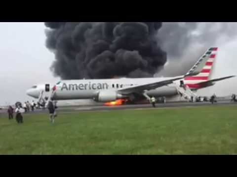 LiveLeak - Plane Crash, Chicago's O'Hare Airport American Airlines Flight 383 In Flames