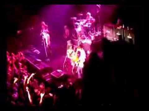 Velvet Revolver & Izzy Stradlin: Used to Love Her