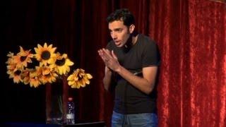 קצרצרים: שאולי בדישי - אילתורים עם הקהל בקומדי בר