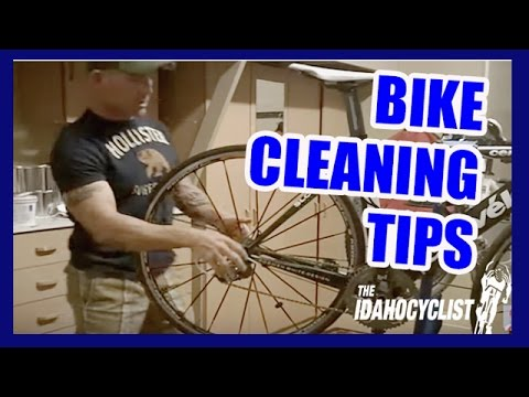 Cleaning A Rear Wheel Cassette.  Cleaning A Bike Tips.