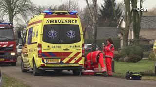 Auto botst tegen boom bij ongeluk bij Lutten