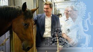 Ministerpräsident Dr. Söder bei der Reiterstaffel München - Bayern