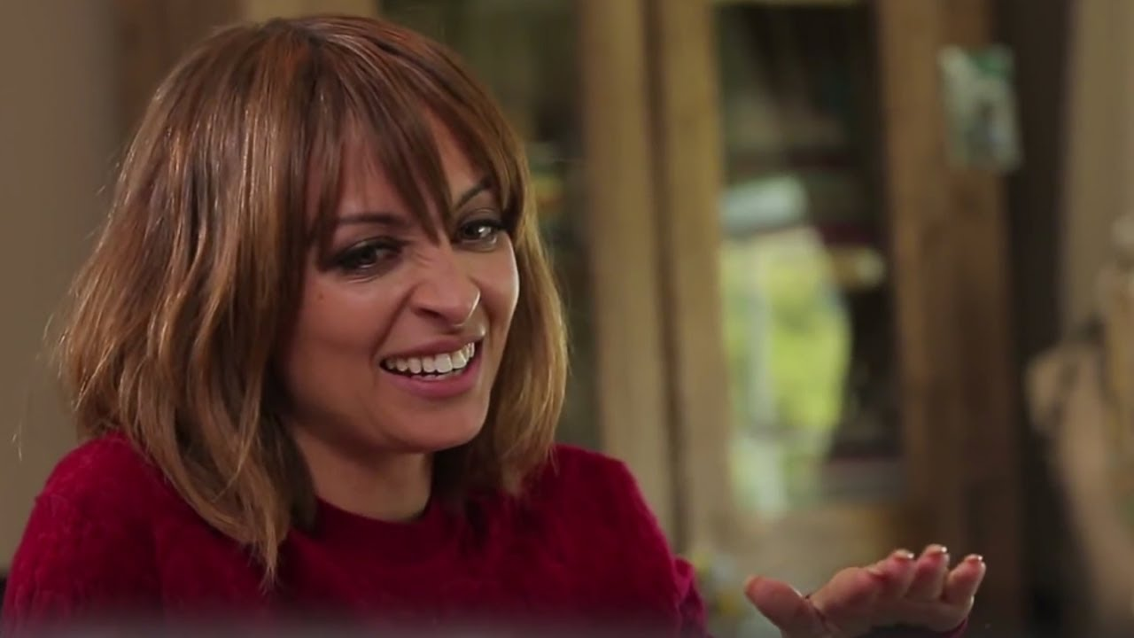 Download #CandidlyNicole Ep. 4 Deleted Scene | How to Dis