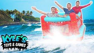 Bouncy Box Fort VS Ocean Water! With Carter Sharer & Lizzy Liz Sharer