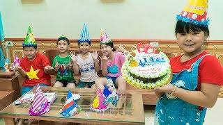 Kids Go To School | Chuns With Best Friends Buy Ice Cream Cakes Party Sweet Food In House