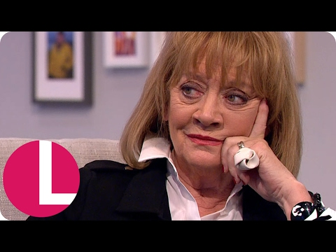 Amanda Barrie on Falling in Love With India and Bill Oddie | Lorraine