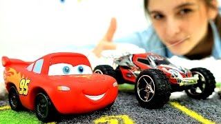 Видео для детей. Машинки и Молния Маквин: снежные гонки