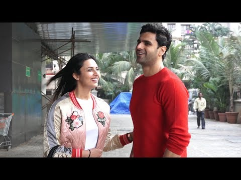 Divyanka Tripathi And Vivek Dahiya Spotted At Juhu PVR