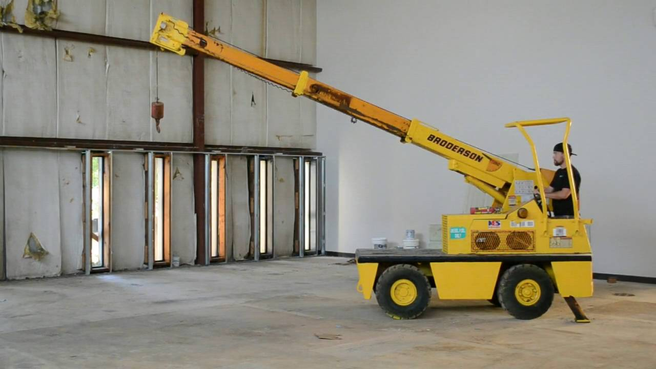 Broderson IC-20-1D 2 5 Ton Carry Deck Diesel Crane