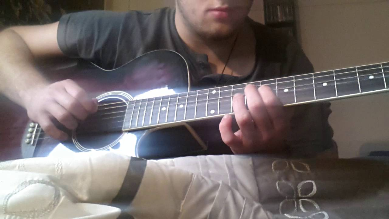 Muse - Plug in baby Acoustic Guitar Cover