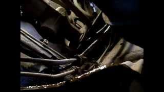 течёт топливопровод.(протёрся от соприкосновения с тросом сцепления. трос лежал на топливопроводе., 2013-05-08T17:01:05.000Z)