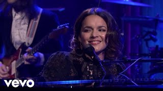 Norah Jones - Flipside (Live On The Tonight Show Starring Jimmy Fallon)