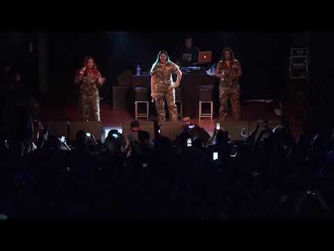 "SWV perform ""Weak"" in Auckland, New Zealand February 3, 2018"