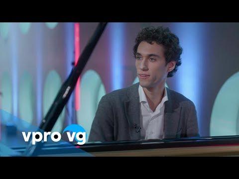 Camiel Boomsma interview door Giovanca (live @TivoliVredenburg Utrecht)