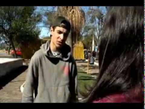 CRÍTICA: Tem Gente! (2009) - Um Curta para 'Detonar'