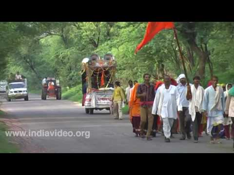 Procession to a temple, Bharatpur