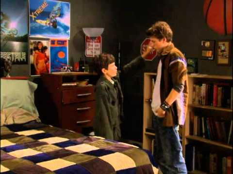 """Download LIFE WITH DEREK    1x08 """"House of Games"""""""